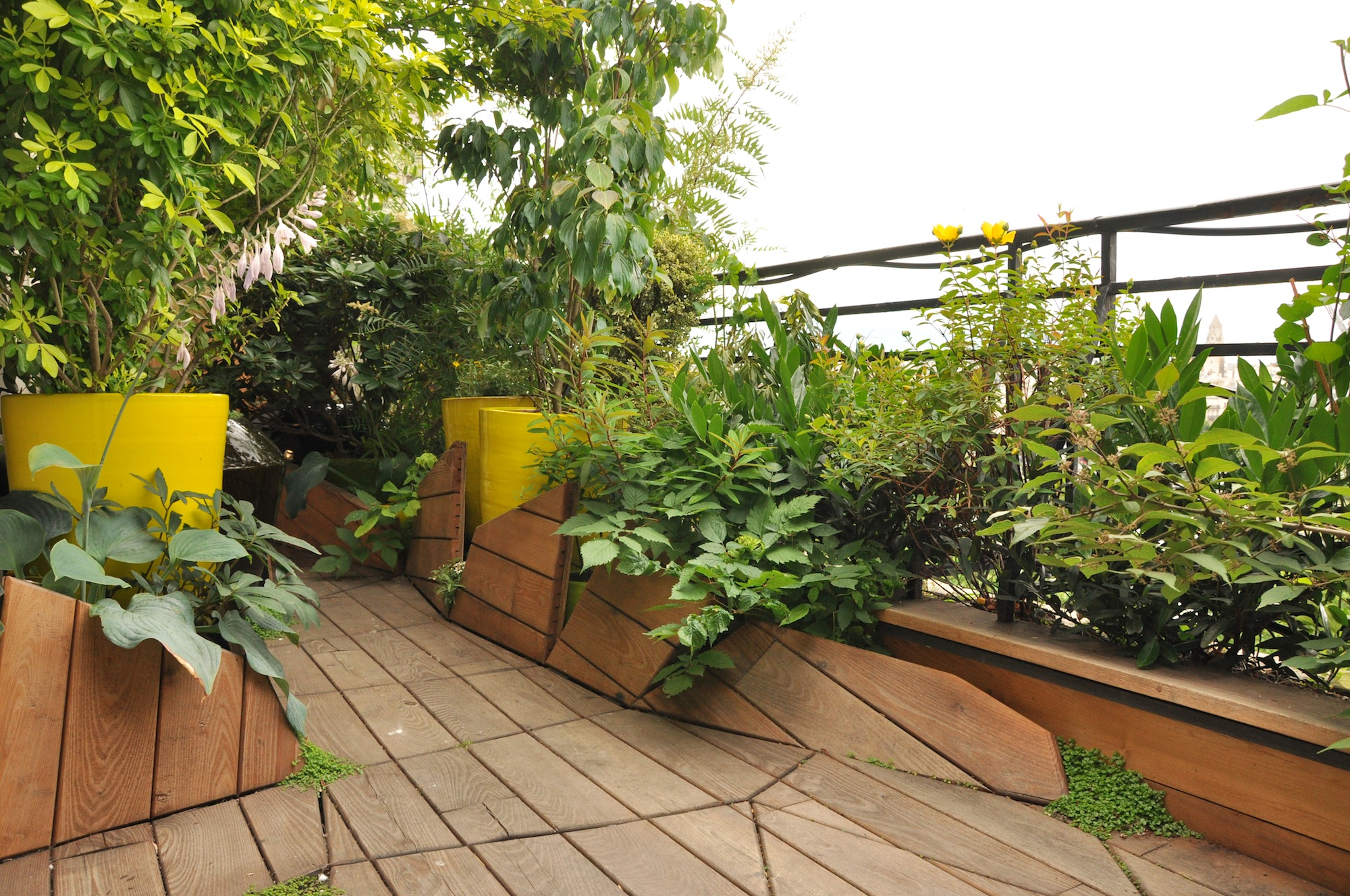 Atelier dlv paysagiste concepteur paris bertrand de la for Terrasse amenagement plantes