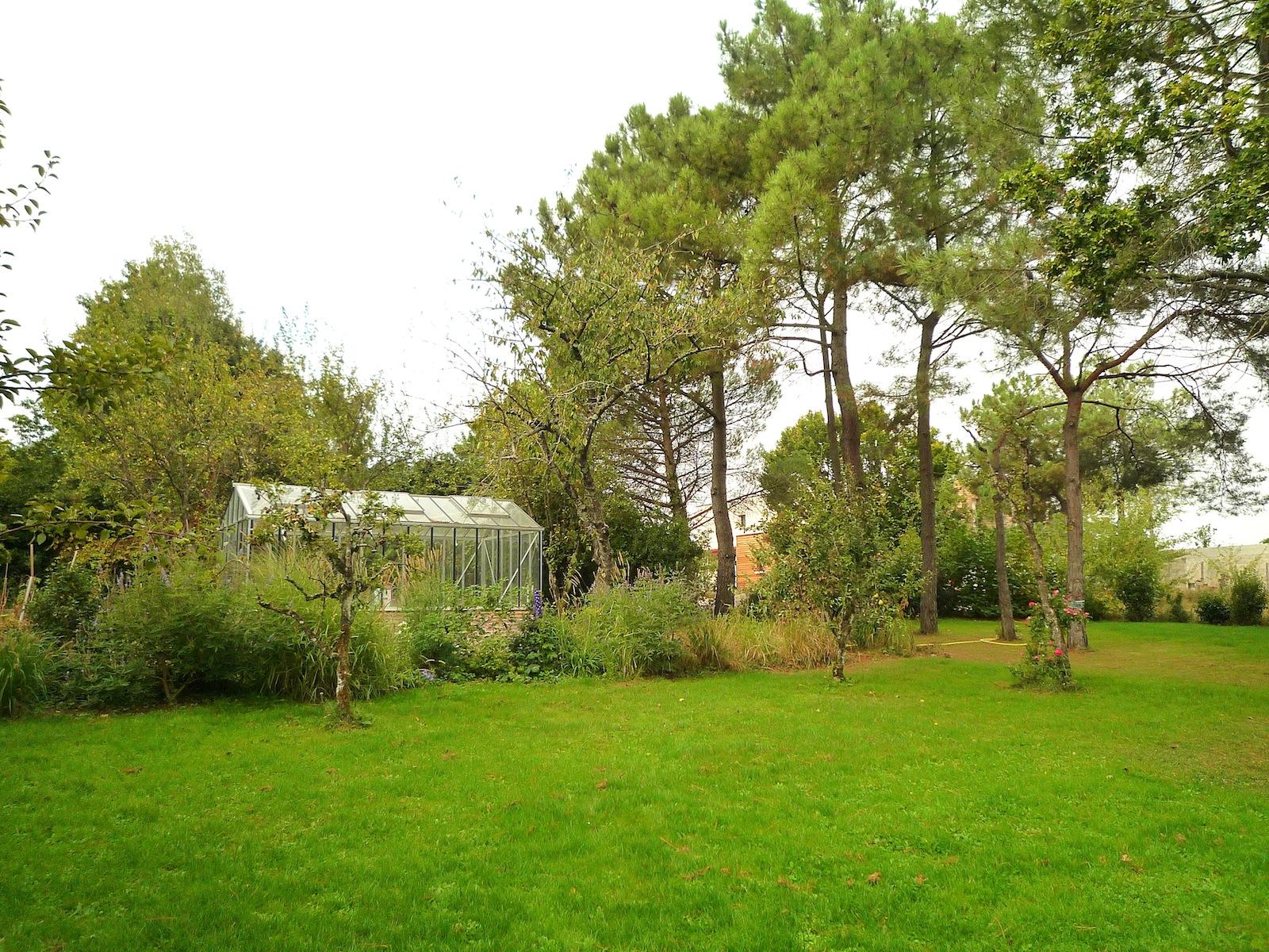 Atelier dlv architecte paysagiste paris bertrand de la for Paysage de jardin